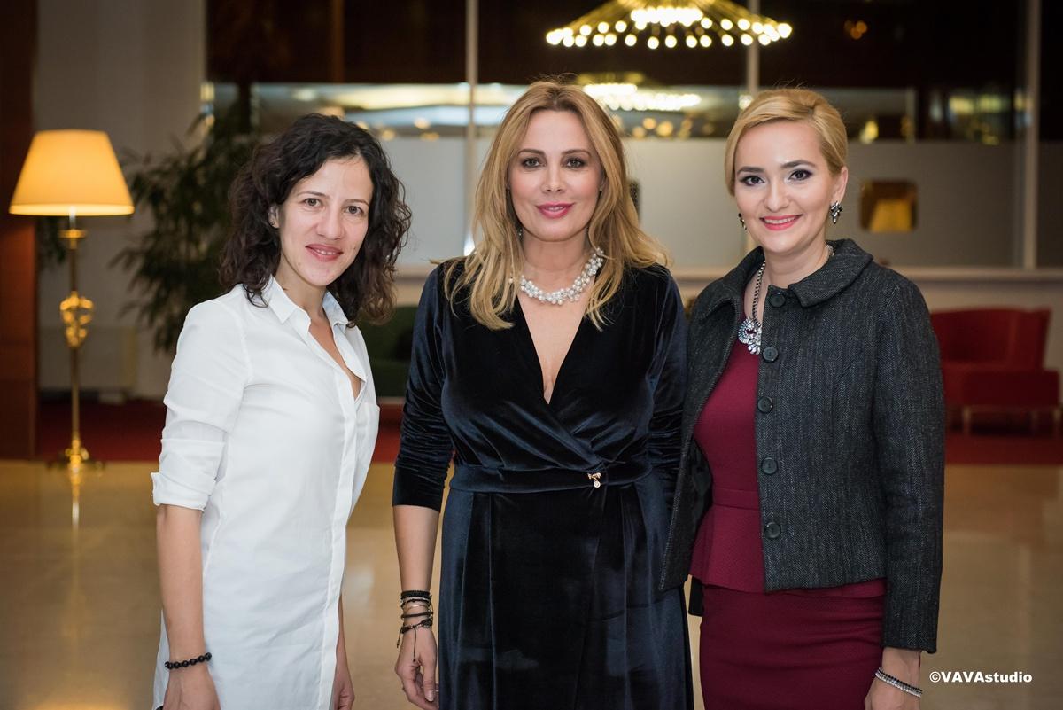 """Roxana Minzatu si Adela Diaconu invitatele Danei Savuica la conferinta nationala """"Traieste Inteligent"""" de la Brasov"""